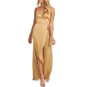 💛 NWOT golden silk gown 💛